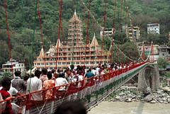 [lakshman jhula 3] (tyronerodovalho1) Tags: india indian bridge rishikeshi uttarakhand ganges river travel life peoople