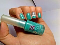 """Desafio """"Meu Nome é..."""" ~ S: Sereia - QTock. (Raíssa S. (:) Tags: esmalte unhas nails nailpolish nailart naillacquer verde qtock cremoso branco green white nati desafiomeunomeé"""