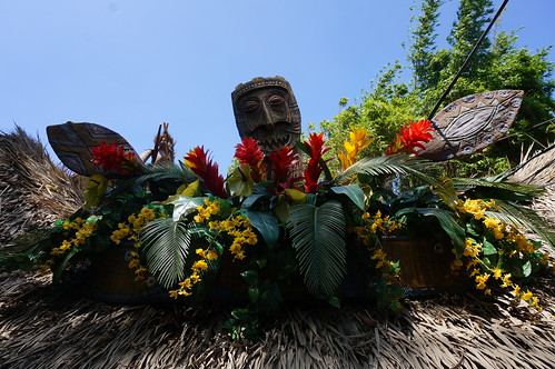 "Walt Disney's Enchanted Tiki Room • <a style=""font-size:0.8em;"" href=""http://www.flickr.com/photos/28558260@N04/28937277040/"" target=""_blank"">View on Flickr</a>"