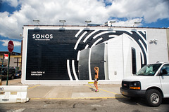 Sonos (Always Hand Paint) Tags: b207 sonos sonoscomplete kristamlindahl ooh outdoor colossalmedia alwayshandpaint skyhighmurals advertising colossal handpaint mural muraladvertisingstreetlevel retail