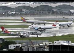 Boeing | 777-2Z9/ER | Austrian Airlines | OE-LPB | Hong Kong | HKG | VHHH (Christian Junker | Photography) Tags: nikon nikkor d800 d800e dslr 70200mm teleconverter plane aircraft boeing b7772z9er b777200er b772er b777 b772 b77e austrianairlines os aua austrian os068 aua068 austrian068 oelpb staralliance widebody heavy triple7 heartofeurope departure takeoff 25l rain lineup airline airport aviation planespotting 28699 163 28699163 hongkonginternationalairport cheklapkok vhhh hkg clk hkia hongkong sar china asia lantau cc christianjunker flickraward zensational flickrtravelaward hongkongphotos worldtrekker superflickers myaustrianmoment servus