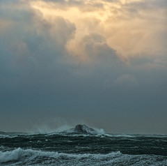 Stormy sunset (Ian@NZFlickr) Tags: white island st clair dunedin storm gale waves sunset pacific ocean nz