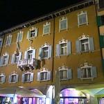 "Riva del Garda <a style=""margin-left:10px; font-size:0.8em;"" href=""http://www.flickr.com/photos/14315427@N00/29695221301/"" target=""_blank"">@flickr</a>"
