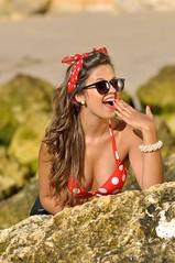 Pinup Session (scottx) Tags: praia beach portugal girl up sunglasses high pin shades waist alta session shorts algarve bandana patricia pinup leno reflector nisa patrcia cintura cales senhoradarocha praianova highwaistshorts