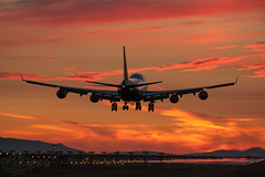 B-16410 - EVA Air - Boeing 747-45E (bcavpics) Tags: sunset canada vancouver plane airplane eva britishcolumbia aircraft aviation air jet landing boeing yvr 747 airliner jumbo b16410 bcpics