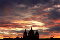 Sunset Cartagenero (Campanero Rumbero) Tags: travel sunset summer sky church night clouds atardecer mar colombia view cloudy iglesia playa paisaje cielo nubes verano turismo cartagena calor brisa