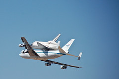 Endeavour, Arriving (Telstar Logistics) Tags: nasa edwardsafb shuttle endeavour nasasocial