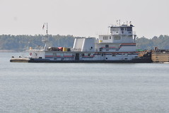 MV Elizabeth Ann with deckhands (Porch Dog) Tags: nikon kentucky september 2012 tennesseeriver barges kentuckylake elizabethann garywhittington dechhands