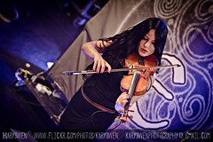 Eluveitie @ Paris 30/09/2012 (karydwenphotography) Tags: metal folk violin pagan hurdygurdy annamurphy folkmetal eluveitie chrigelglanzmann merlinsutter meritadic ivohenzi kaybrem