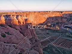 high angle view of sandstone cliffs of canyon de chelly (jaconature8877) Tags: travel arizona sky cliff usa sunlight southwest nature rock landscape outdoors photography beige sandstone day desert bright background hill scenic dry sunny nobody nopeople canyon heat remote geology navajo navajoland canyondechelly barren tranquil clearsky tranquilscene chinle rocklayers colorimage nonurbanscene extremeterrain aridclimate highangleview physicalgeography