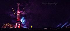 Feu d'artifice  la tour Eiffel 14 juillet 2016, fte nationale, Bastille day. (louis.labbez) Tags: 14juillet 2016 bastilleday france ftenationale juillet paris labbez artifice eiffel tour tower fireworks feu lumire light iledefrance