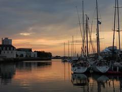 Lever de soleil dans le port de Lorient (morganelafond) Tags: sea mer bretagne lorient port sunrise