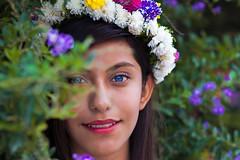 InkEyes (arcadiaest) Tags: flores chica ojos azul celeste eyes girl portrait