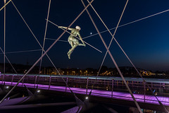 2016-09-28 Krakw (Jacek P.) Tags: poland krakw kadka rzeba sculpture balanced kedziora noc night