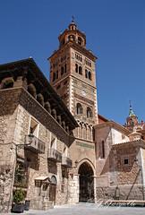 Casa del Dean y torre de Santa Maria de mediavilla (J.Gargallo) Tags: teruel aragn espaa spain canon canon450d canonefs18200 eos450d eos 450d torremudejar torre catedral