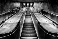 Charlevoix Station [bw_version] (s.W.s.) Tags: escalator rolltreppe nikon d3300 montreal quebec charlevoix underground station metro subway urban stairs blackandwhite bw schwarzweiss vanishingpoint