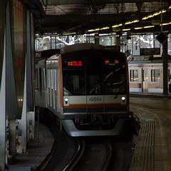 10000 at  (powered_by_siemens) Tags: railroad station shibuya rail railway  tkk tokyu  tokyometro    toyokoline   10000  tokyokyuko