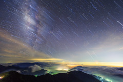 (samyaoo) Tags: park longexposure sunset sea sky mist tree fog clouds star nationalpark taiwan  galaxy national   milkyway  seaofclouds tarokonationalpark nantou       hehuanshan      hehuanmountains