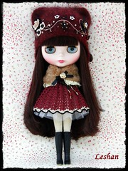 """Monet"" (Leshan1) Tags: hat doll dress crochet blythe leshan reddelicious rbl feltedhat dolldress blythedress dollcrochet blythecrochet leshancrochet"