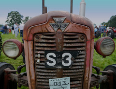 Old Massey (Eff Bee) Tags: old red tractor colour vintage scotland antique tired perth restored scone grandad masseyferguson