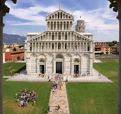An elevated view from the Baptistry of St. John  on Duomo di Pisa (Bn) Tags: world city travel blue summer sky italy holiday green tower art heritage tourism cemetery square site topf50 italia cathedral bell toren famous capital descent landmark historic unesco falling pisa campanile tuscany restoration makeover mass miracles topf100 iconic leaning cultural baptistery monumental piazzadeimiracoli piazzadelduomo campodeimiracoli battisterodisangiovanni freestanding 100faves 50faves scheve duomodipisa