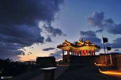 Hwaseong Fortress -JHS_4875 (oasisframe) Tags: sunset reflection landscape korea unesco nightview southkorea cultural suwon gyeonggido hwaseongfortress unescoworldculturalheritage hwahongmun banghwasuryujeong