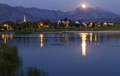 Full Moonrise Over Oquirrh Lake and Mount Timpanogos (Photo Dean) Tags: 2016 daybreakutah fullmoon lakereflection moonrise nightphotography nightshot oquirrhlake saltlakecounty southjordan strawberrymoon timpanogos usa ut utah