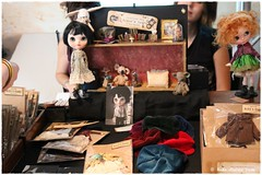 Blythecon  105 of 184 (Heike Andrea Grote ) Tags: blythe licca basaak zoe blytheconeuropehamburg blythecon bceu2016 bceu blytheconhamburg2016 hamburg elbarkaden hafencity heikeandreagrote blythedoll blythestagram blythephotgraphy blythecustom instadolls dollphotography monchhichi japan doll cute kawaiifriends fun funny pink sweet smile art cool photo pictureofthedayphotooftheday bestoftheday picoftheday love beautiful happy followme follow