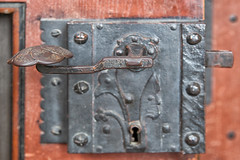 160525_153005_AB_4746 (aud.watson) Tags: europe germany saxony meissen river elbe albrechtsburg meissencathedral woodendoor door doorhandle doorlock