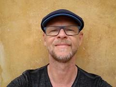 Blue on yellow (mikael_on_flickr) Tags: blue blu blau bleu bl yellow giallo gelb gul jaune me ego self selfportrait autoritratto gay male man mann uomo homme hombre guy mec ritratto portrait mikael