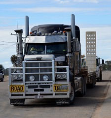 Diamantina Shire (quarterdeck888) Tags: trucks transport roadtransport haulage lorry class8 tractortrailer overtheroad heavyhaulage australianroadtransport nikon d7100 semitrailer frosty quarterdeck flickr jerilderietrucks jerilderietruckphotos truckphotos australiantruckphotos expressfreight freight roadfreight truck diamantinashirecouncil 4900 mooredropdeck westernstar westernstartrucks dropdeckroadtrain
