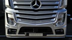 Mercedes-Benz Actros (Dorka Bus) Tags: dtm hungaroring mercedes benz mercedesbenz actros truck