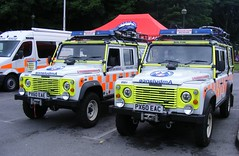 4876 - BMRT - PX60 EAE & EAC - 071 (Call the Cops 999) Tags: uk gb united kingdom great britain england 999 112 emergency service services vehicle vehicles mountain rescue land rover defender bmrt bolton team 4x4