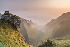 Winnats Pass Pinnacle (James G Photography) Tags: uploadedviaflickrqcom winnatspass winnats pass sunrise fog mist peakdistrict peaks derbyshire sun castleton autumn haze hot knoll limestone peak reef road view england unitedkingdom gb