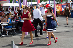Vintage Navy (Matthew Kenwrick) Tags: ladies cute hats couples photographers dresses candids betting f28 winning sunnies 2470mm fascinators daycairnsqueenslandaustraliaracingcarnivalpartyhorsehorsespeoplegirlsbabehottiessexyyoungoldtallfashionfunsmilescurveslegslipstickcolourcrazydrinkingeos7def