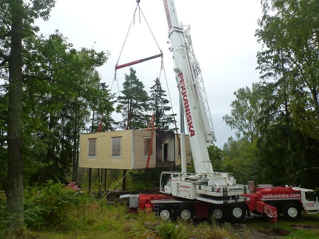 Lifting a timber frame