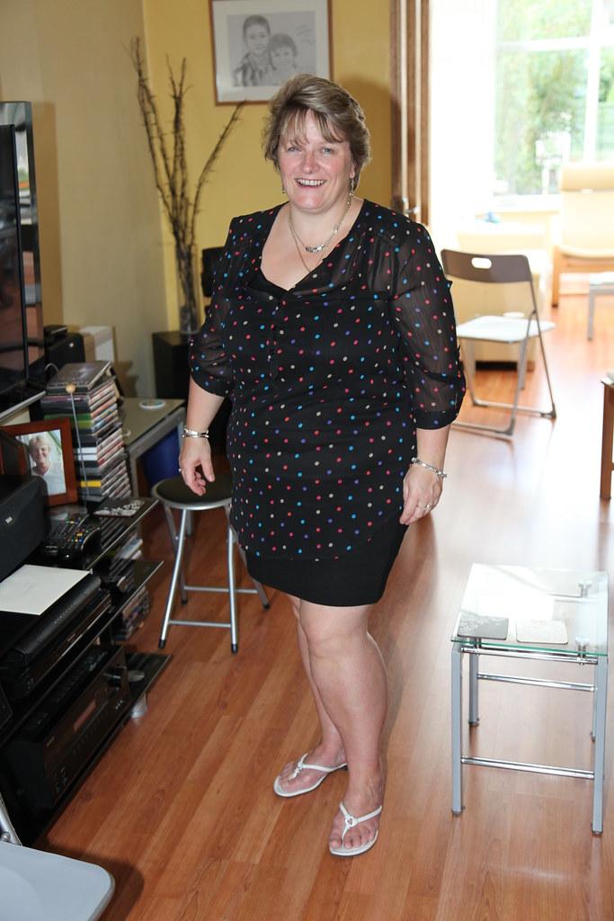Julie (mantonl) Tags: woman hot cute sexy love home beautiful beauty female  canon
