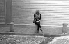 (A Quick Glimpse at a Wannabe Christina Aguilera) (Robbie McIntosh) Tags: leica blackandwhite bw film girl monochrome analog 35mm kodak candid trix streetphotography hc110 rangefinder stranger bn summicron negative 400 analogue m6 sms biancoenero argentique yellowfilter leicam6 dyi selfdeveloped pellicola kodaktrix400 analogico leicam6ttl leicam filmisnotdead kodakhc110 hc110dilb autaut leicasummicron50mmf20iv summicron50mmf20iv leicasummicron50mmf2iv pushed640iso