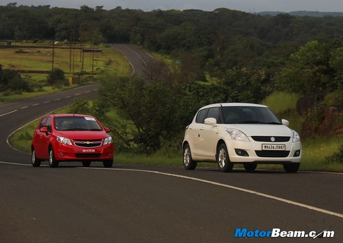 Maruti-Suzuki-Swift-vs-Chevrolet-Sail-U-VA-02