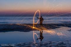 DSC_0161 (Patrick Herzberg) Tags: longexposure light holland dutch strand licht zonsondergang nikon nederland thenetherlands avond noordwijk weerspiegeling steelwool avondfotografie langesluitertijd staalwol d5200