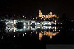 Nocturna (David Fotografa) Tags: cityscape night iluminacin luces estelas catedral ciudad city noche reflejos