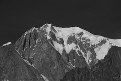 Mont Blanc (S.pT) Tags: montblanc alpes alps mountain montagnes hiking monochrome bw noiretblanc snow neige