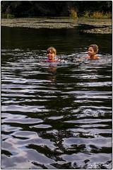 Jimena y Joan (Lluis Carro) Tags: ro mio joan jimena negro verano estival bao nios x100t fuji