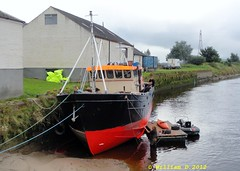 Boat being painted at Kingholm Quay. (stonetemplepilot5) Tags: uk red rural scotland paint ngc transport getty dumfries wwb nith dumfriesshire digitalcameraclub kingholmquay sonydsch55 dsch55 sonycybershotdsch55