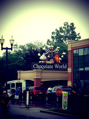 The Streets Are Lined With Kisses (ctoverdrive) Tags: kisses hersheys hersheypa chocolateworld hershypark ressepeanutbuttercups