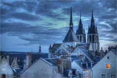 A magic blue hour in Blois...and a little window 2012-08-06 213839 (AnZanov) Tags: blue france church clouds nuvole photographer andrea gimp chiesa hour loire francia eglise hdr loira hdri blois thebluehour noiseware photomatix zanovello anzanov