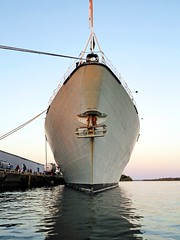 Cutwater (deanspic) Tags: cutwater bow hmcsvilledequbec cornwallharbour frigate navy ship port g1x