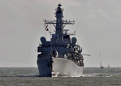 HMS Sutherland F81 (standhisround) Tags: sea water navy solent portsmouth frigate sutherland royalnavy warships hmssutherland f81