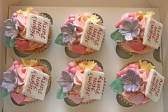 Naughty & Nice Hen Party Cupcakes