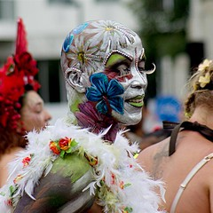 Lashes (MoniqueDK) Tags: zomercarnaval summercarnival rotterdamunlimited people 2016 flowers bloemen wimpers lashes